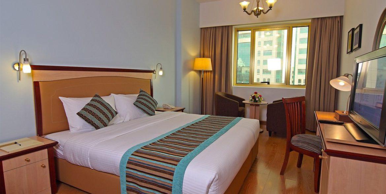 flora-hotel-studio-room-double-1