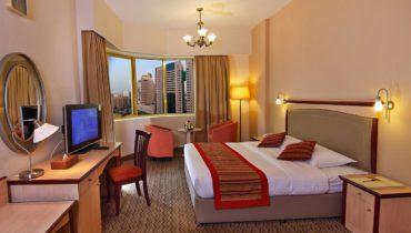 flora-hotel-one-bedroom-suite-1