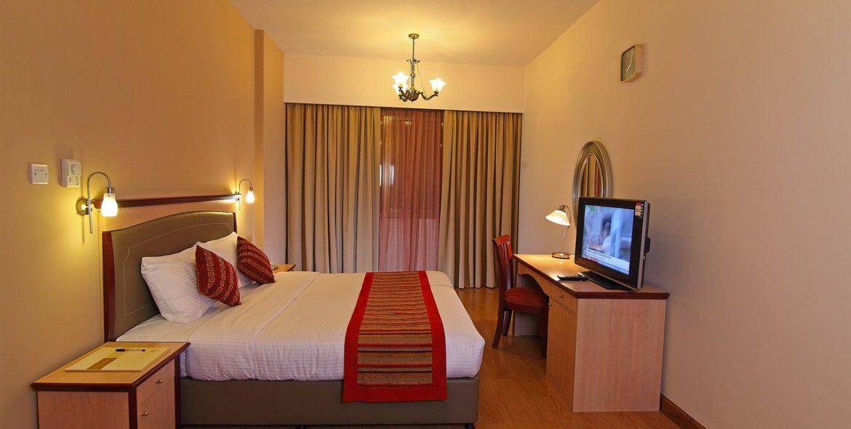 flora-hotel-one-bedroom-suite-4