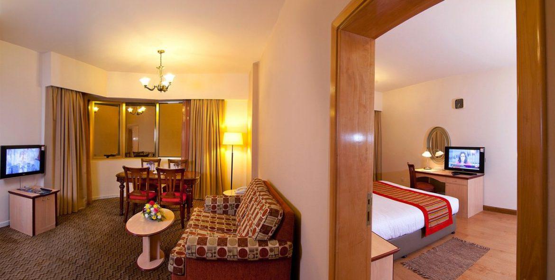 flora-hotel-one-bedroom-suite-5