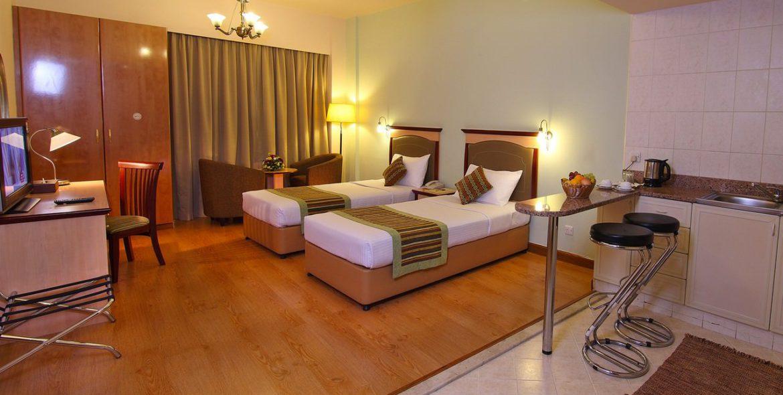 flora-hotel-studio-room-twin-2