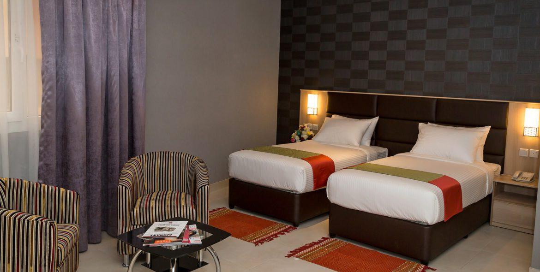 twin bed_purple curtain (18)